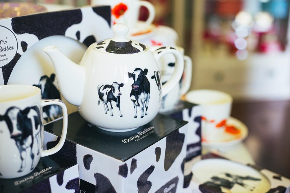 daisy belles collection teapots
